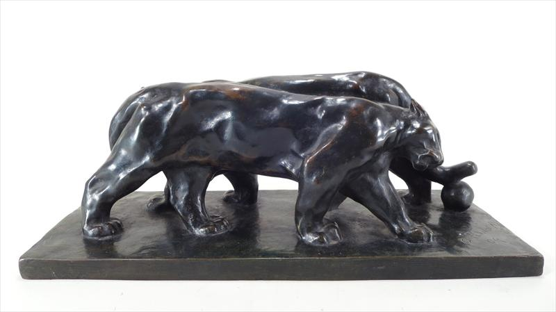 Arthur Putnam, American-SF, 1873-1930, Pair Of Pumas (The Lovers), 1904, Bronze. Measures 7 H X 18 3-4 L X 7 1-4 D. Sold For $7,406