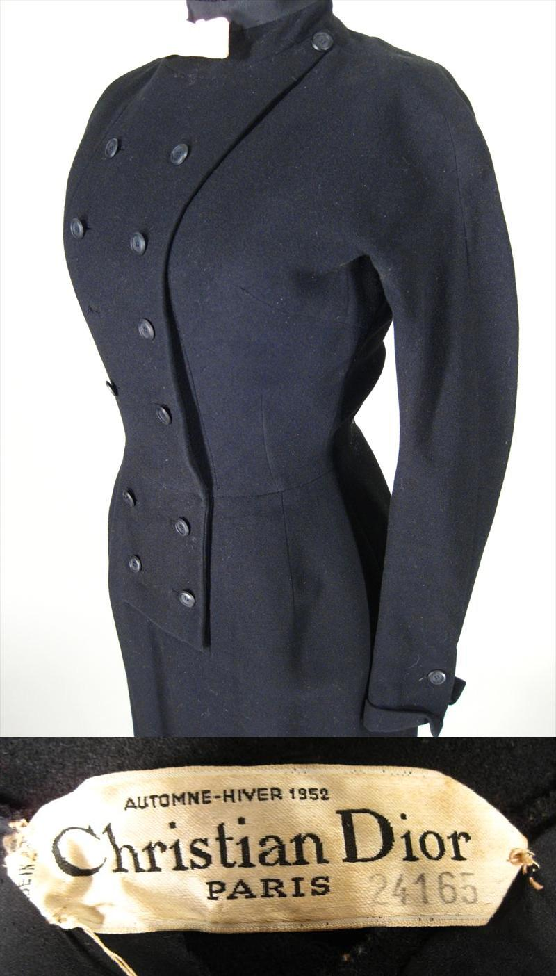 Christian Dior Paris Automne-Hiver 1952 Dress. Sold For $1,562.