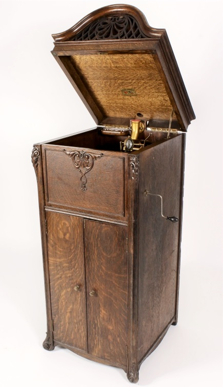 Keen-O-Phone Oak Phonograph C.1913. Sold For $7,187
