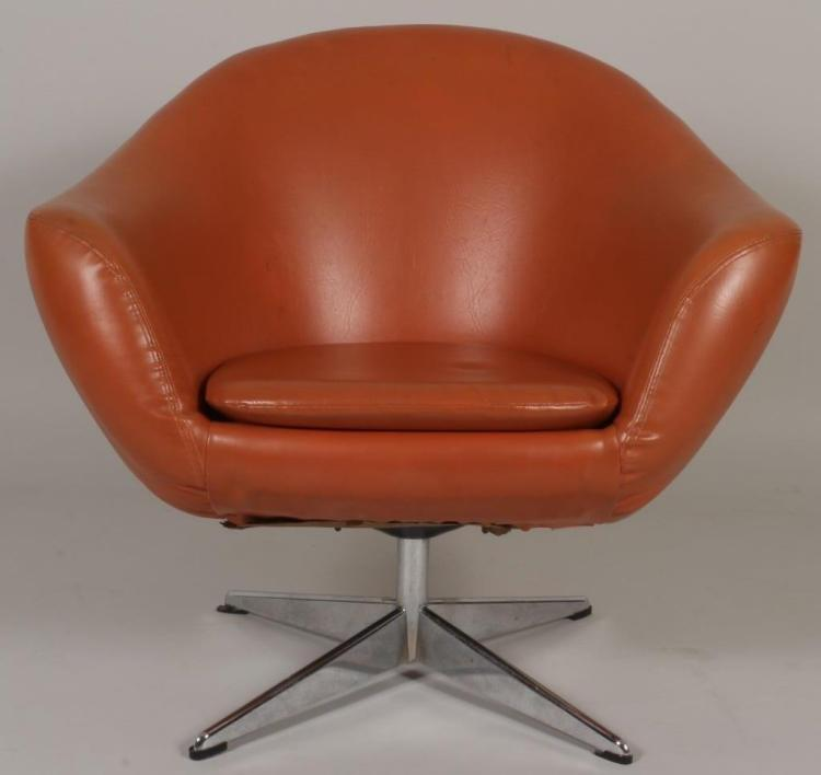 Lot 125 Contemporary Lounge Chair, Swivel Base