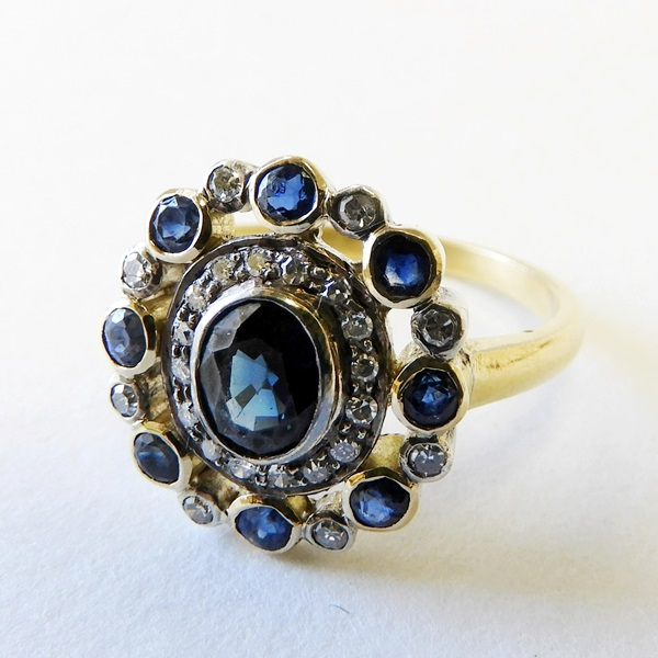 255. Sapphire & Diamond Art Deco Dinner Ring